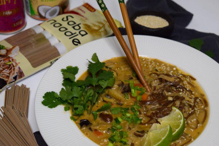 Soba makaronų sriuba