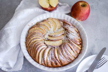 Sveikas obuolių pyragas be sviesto
