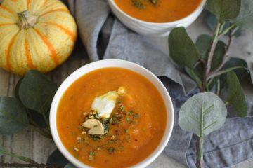 Trinta moliūgų sriuba su pomidorais