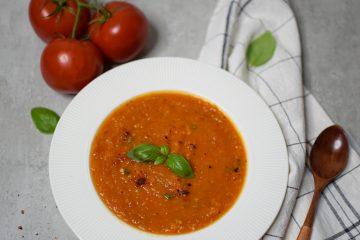 Keptų trintų pomidorų sriuba su morkomis