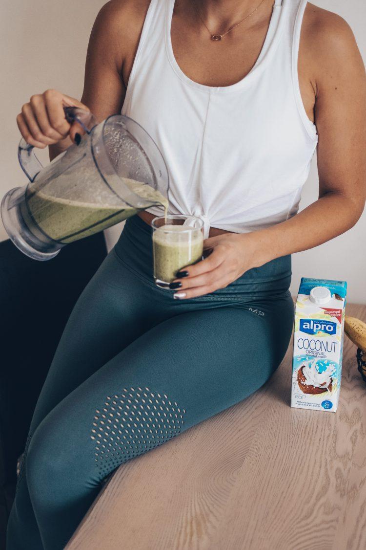 Kaip pasigaminti greitą ir sveiką kokteilį pusryčiams