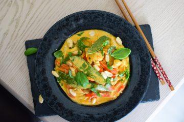 Tom Kha sriuba su vištiena