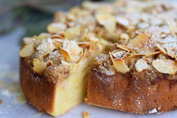 Trupininis obuolių pyragas su migdolais