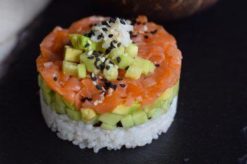 Sushi kitaip: dubenėlyje ir sluoksniuojant